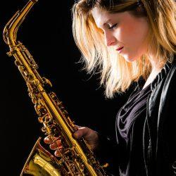 saxofoniste Cece Noir, Carolina van Breugem